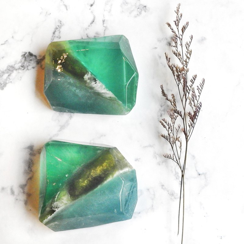 Gemstone handmade soap - March Hailanbao