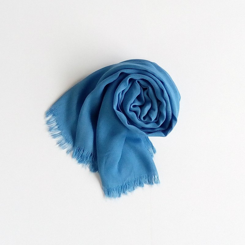 Plain blue dyed silk scarf natural blue dyed hand-dyed scarf silk scarf shawl soft blue Wenqing
