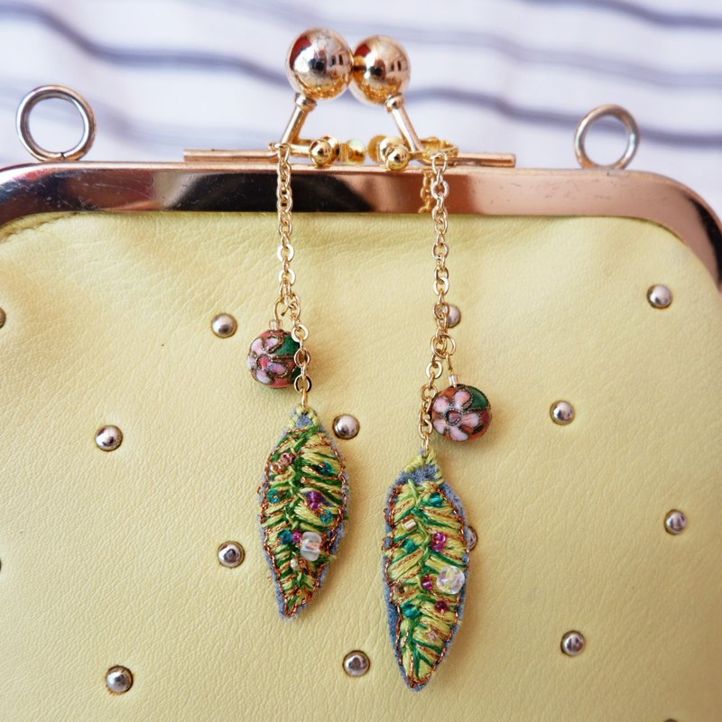 Green Leaf Hand-made embroidery earring