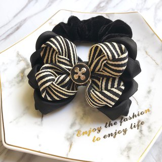 Classic black and white multi-layer bow large intestine ring