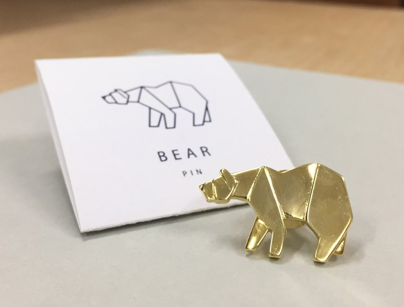Geometric pin - bear