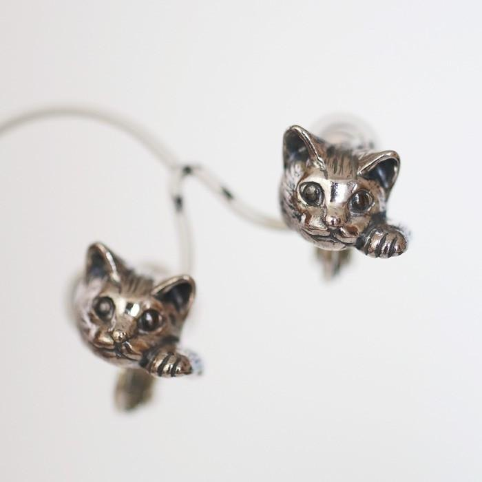 Beckoning cat earrings Pixie one ear / SILVER