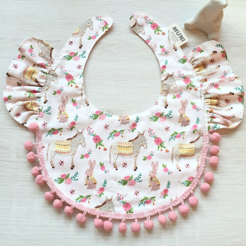 Lotus leaf bib (rabbit and donkey)