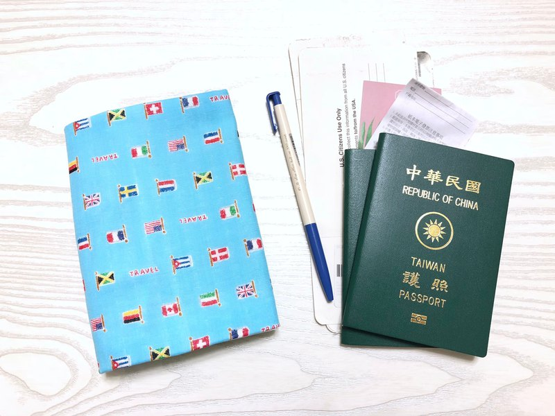 Travel banner / can accommodate air tickets. Cards. Documents. Pen passport sets. Clips (with buckle / no buckle)