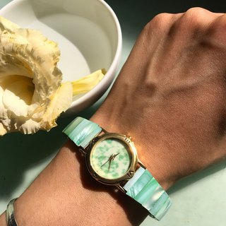 [Lost and find] antique natural stone jade mother-of-pearl watch