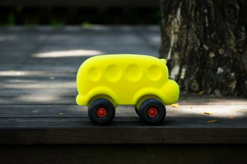 US Rubbabu Pure Natural Latex Cart - - 2skool Bus Yellow Bus - - Biodegradable Infant Green Toys