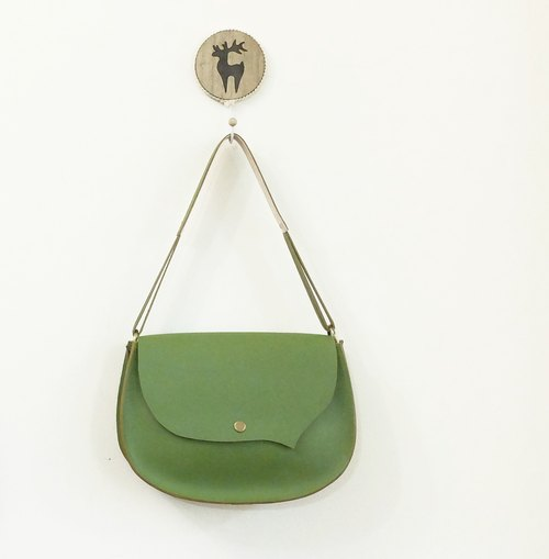Small bangs right dial leather side saddle bag Qixiang green only one