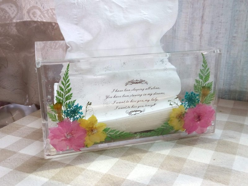 Plastic Acrylic tissue box cover, tissue box  with pressed flowers,small size