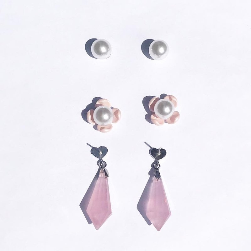 【Lost And Find】Mini size Natural rose quartz earring