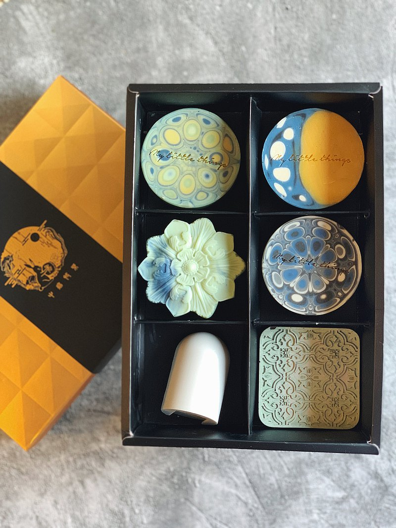Beginning to create a Mid-Autumn Festival hand-made soap gift box