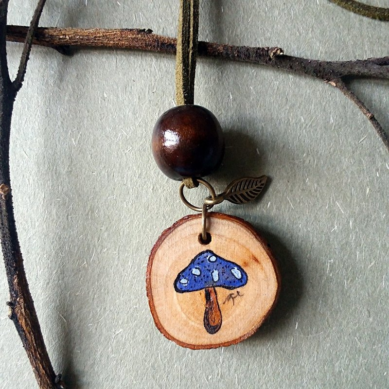 Hand-painted necklace / pendant (mushroom - blue)