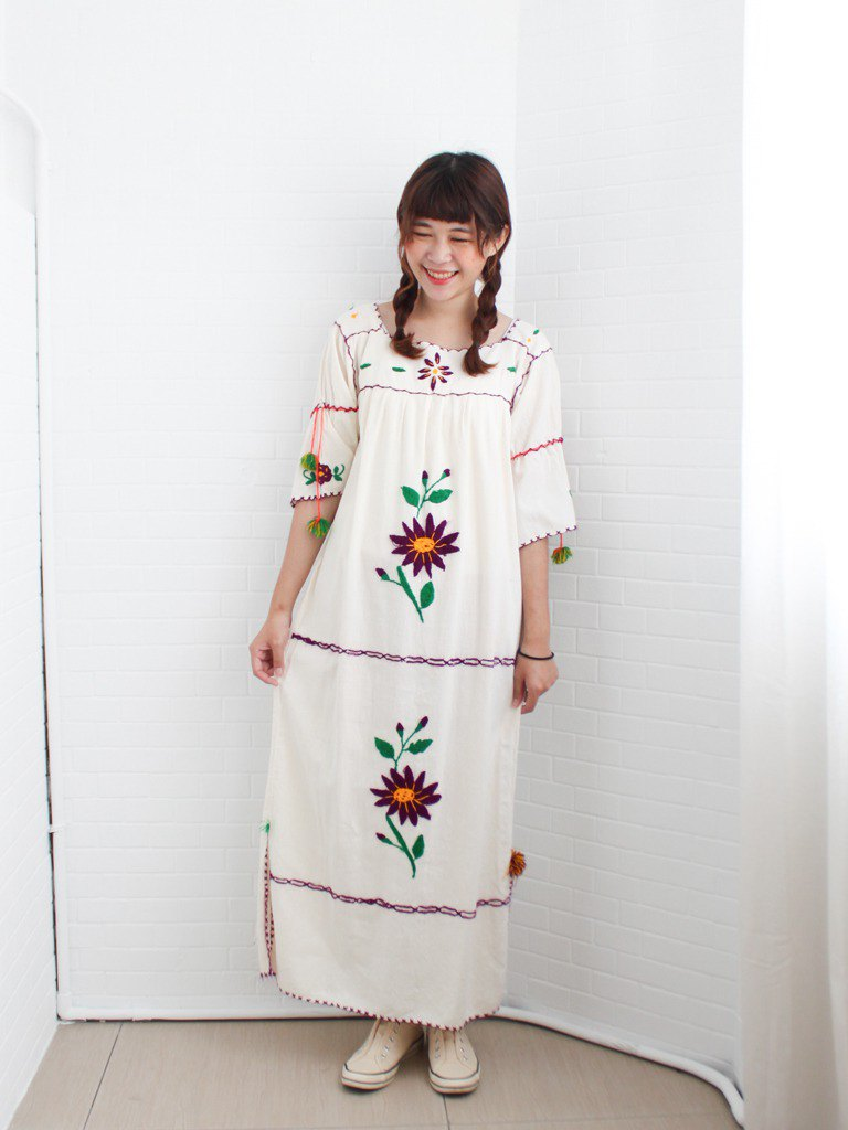 Retro Summer Central and South American Ethnic Flower Embroidered Cotton Short Sleeve Beige Mexican Embroidery Vintage Dress
