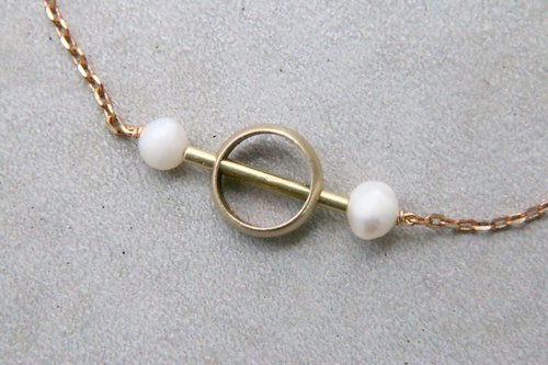 Pearl brass necklace 1082 play