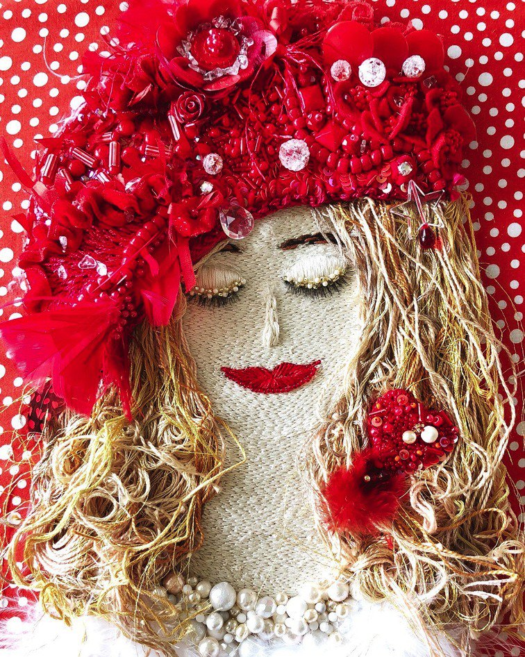 Joie câline  embroidery art handmade beads
