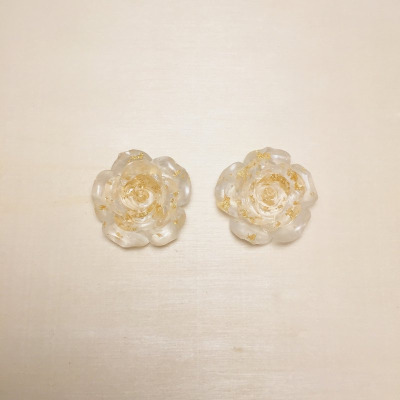 Vintage transparent gold leaf rose earrings ear clip