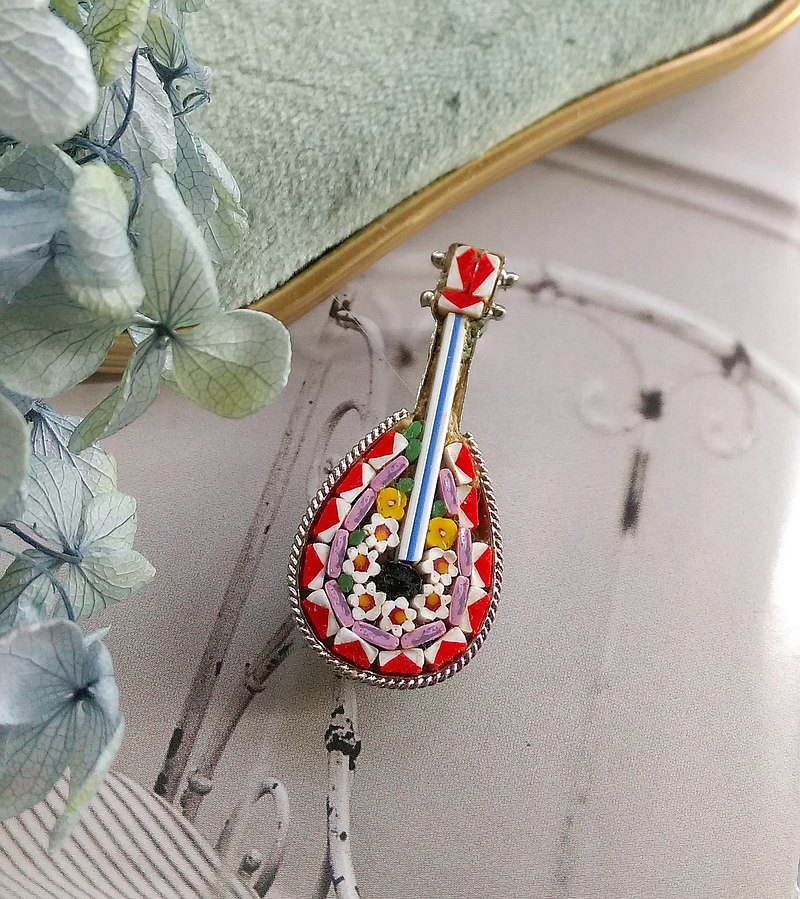 Western antique jewelry. ITALY Mini Mosaic Musical Instrument White Flower Pin
