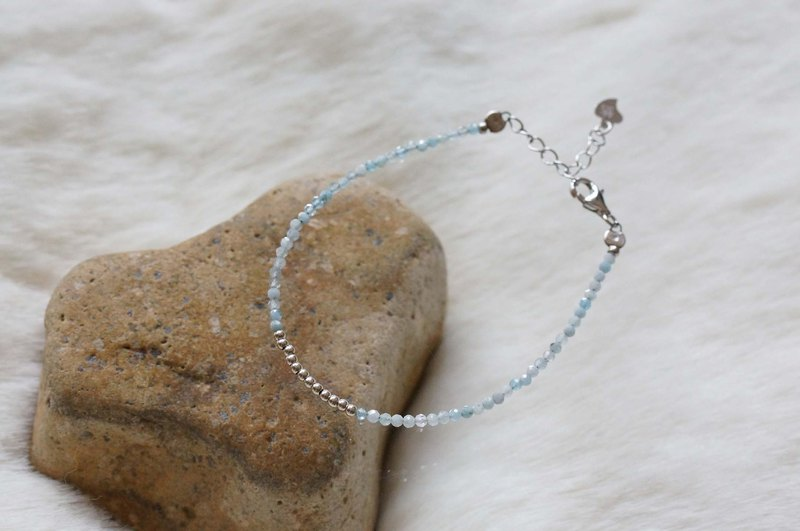 Aquamarine Silver 925 Bracelet with Linear Memory Alloy