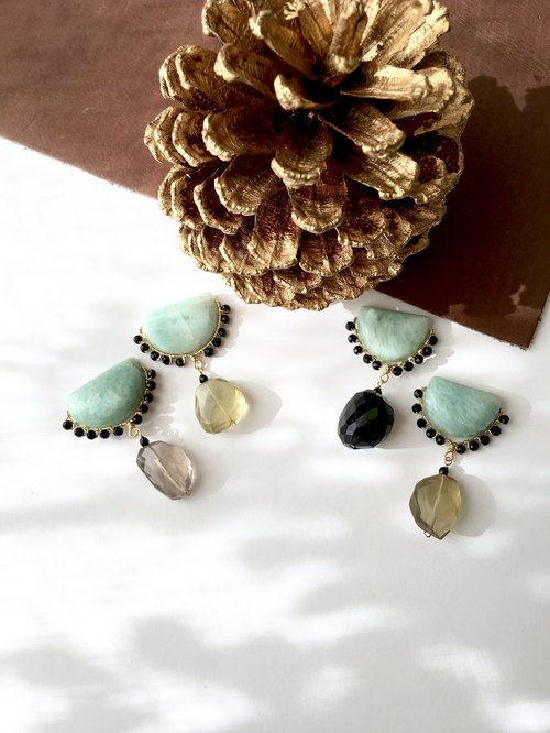 Amazonite, Onyx, Smoky quartz Clip-earring, Stud-earring