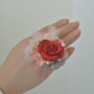 Baum flower ring red pink