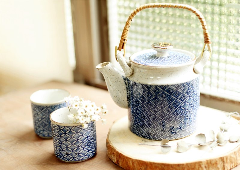 [Good day] fetish Japan rattan ancient pieces of handmade pottery teapot the group