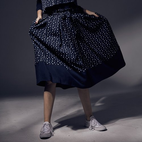 Design printing stitching straps pleated round pendants long skirt