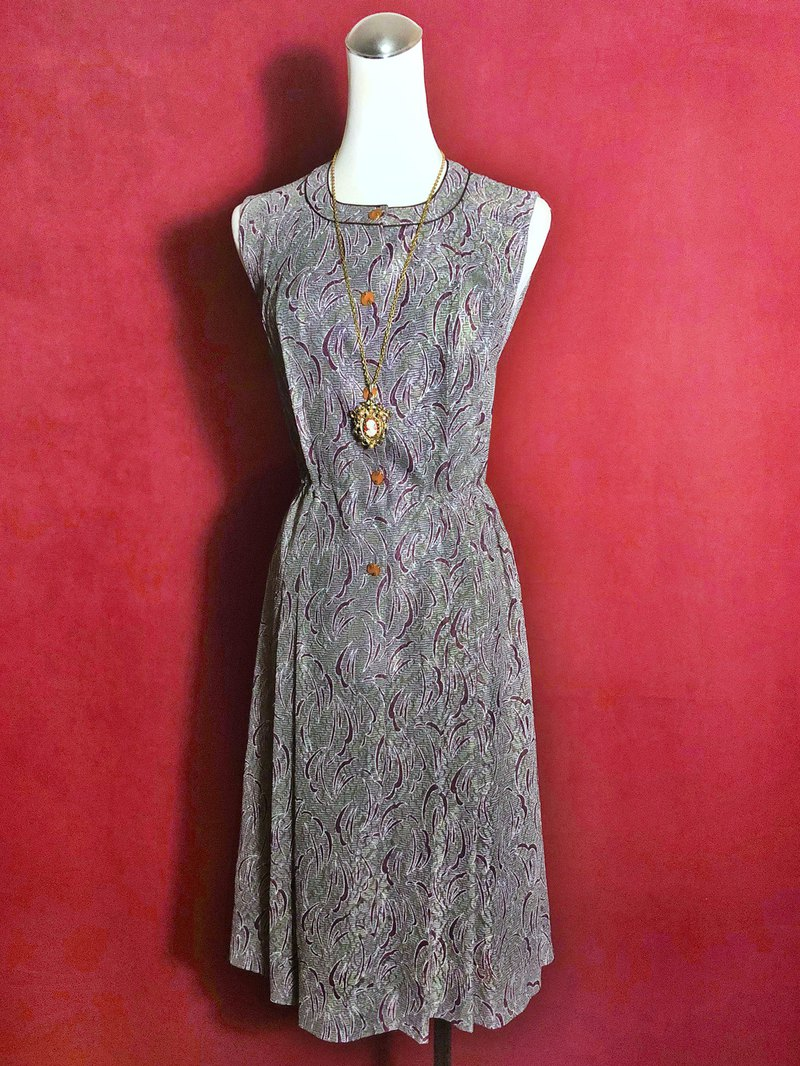 Textured sleeveless vintage dress / brought back to VINTAGE abroad