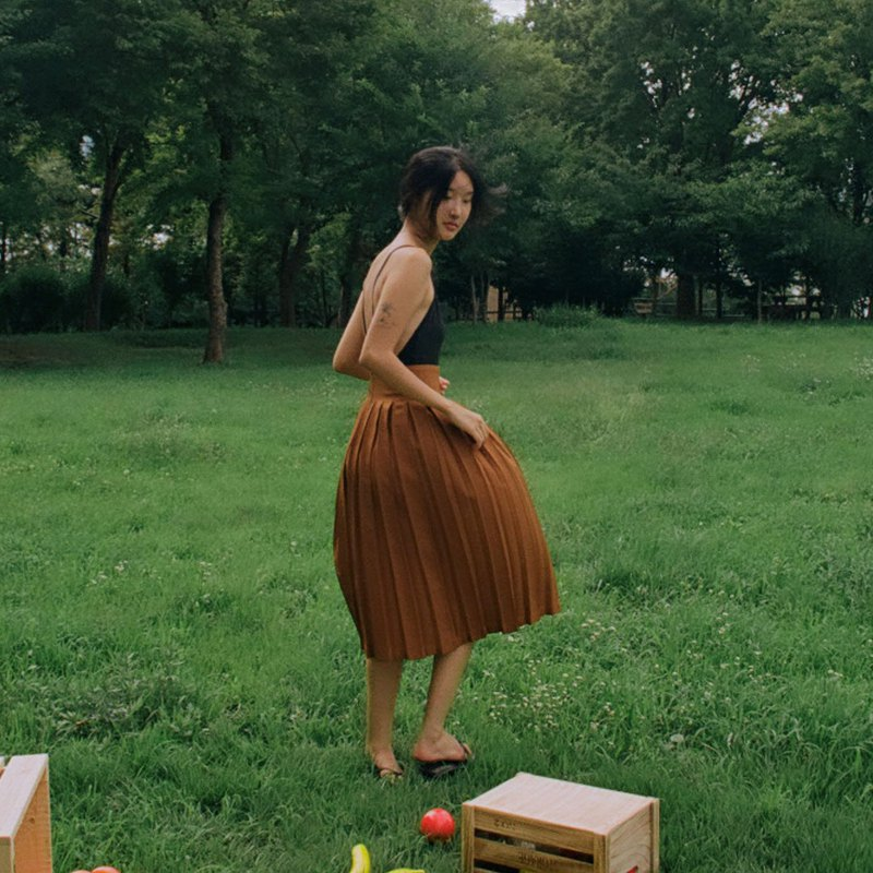 Aprilpoolday / MIDI PLEATED SKIRT / Brown / S
