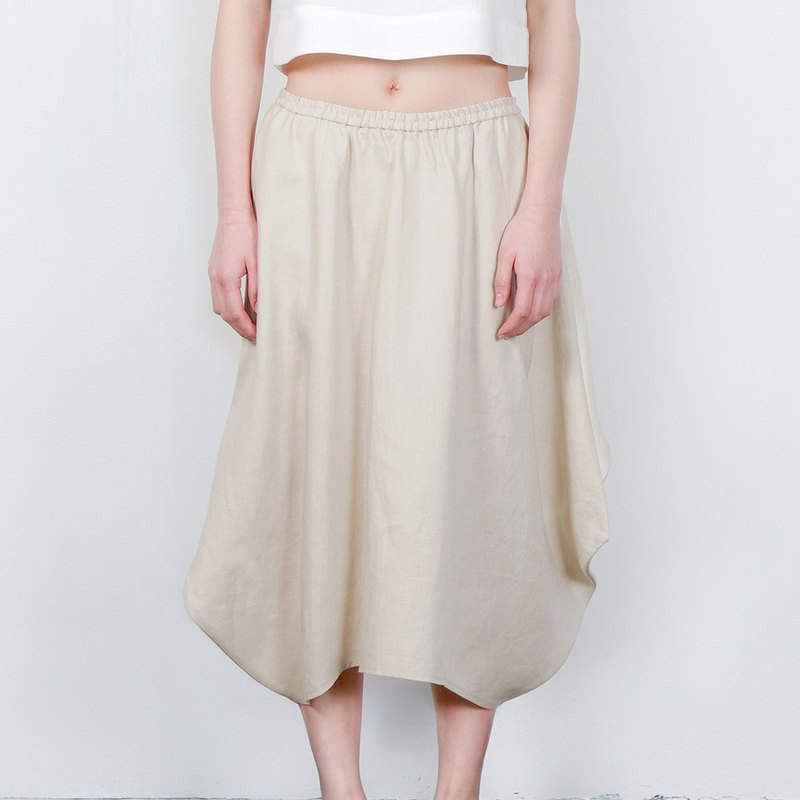 Geometric arc shape brown skirt milk