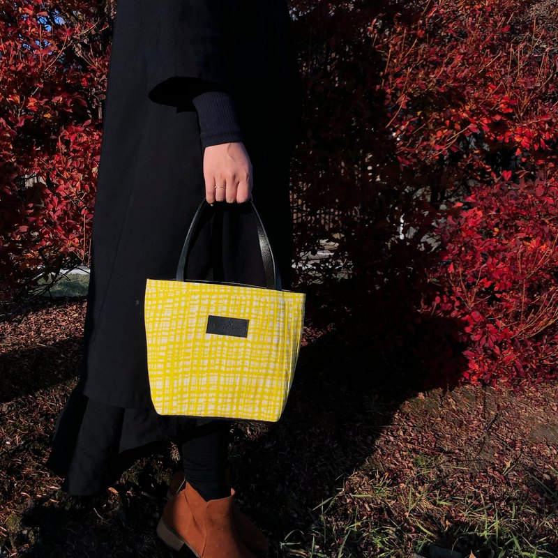 Vingt six Japanese cloth lattice yellow limited mini tote bag / can be used as a handbag