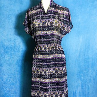 Purple flowers vintage dress / abroad to bring VINTAGE