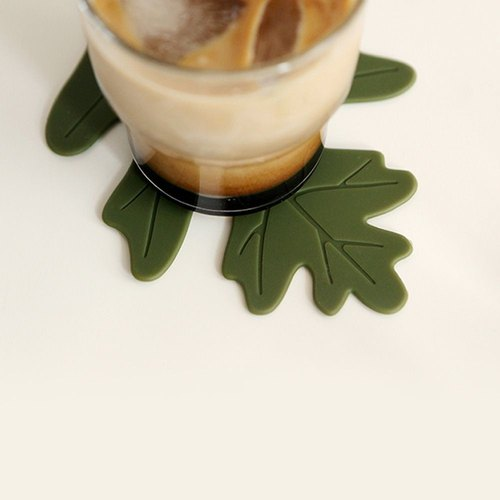 Dailylike Forest Silicone Coaster (Two In)-02 Oak Leaves, E2D05453