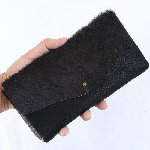 Beef fur, cow shrink leather and cowbed velor simple wallet [dark gray × black]