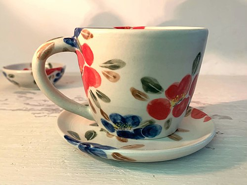Love camellia white porcelain coffee cup _ pottery mug