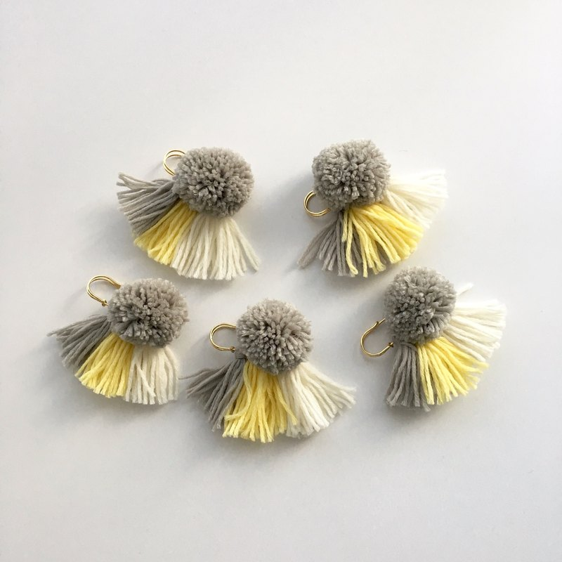 【Stall pin】 Gray and Yellow Mix
