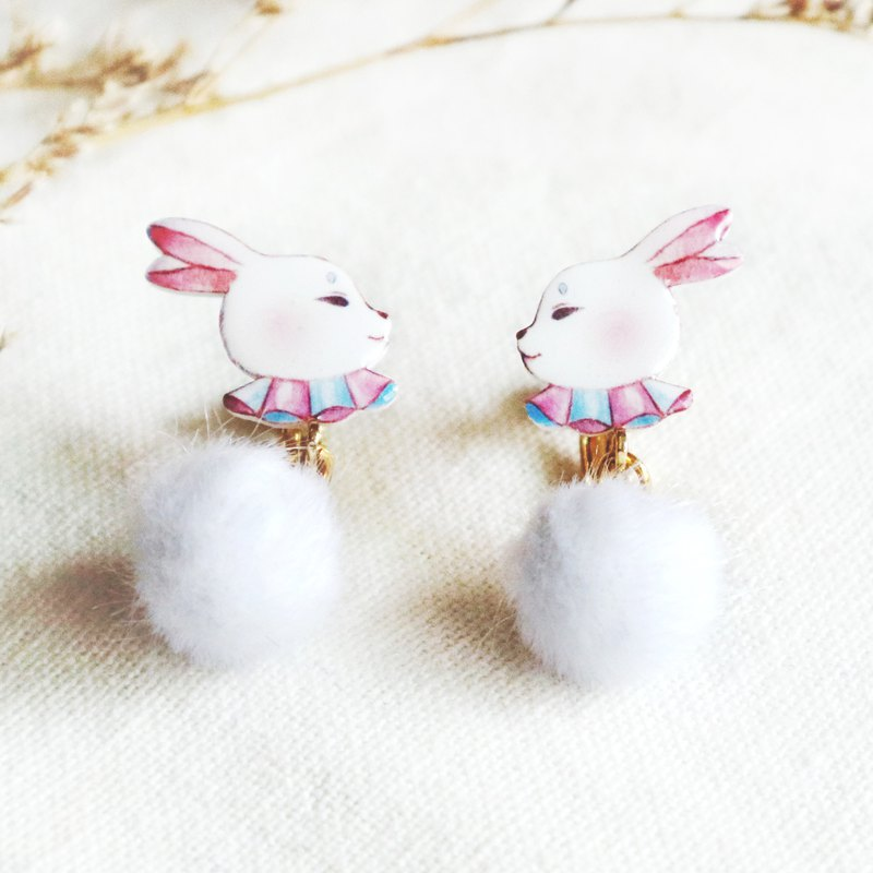 Rabbit earring ear clip