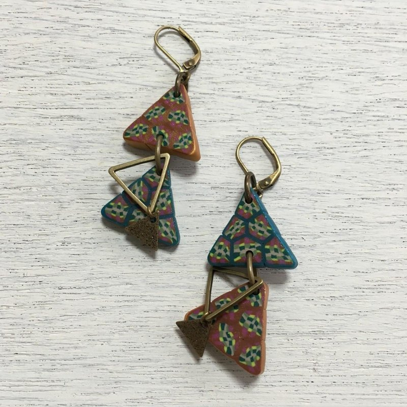 Triangle San Kaku earrings