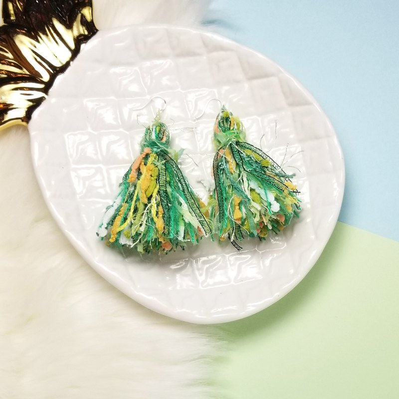 Mixed knit fringes earring (Green/Lime/White/Orange/Green Lurex Tape)