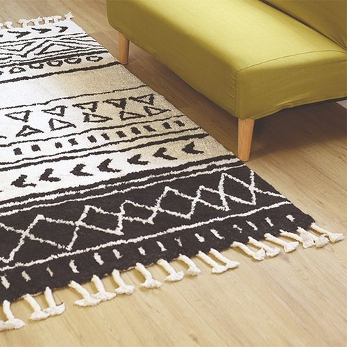 Alo - geometric shape carpet