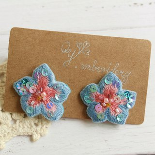 Qy' s  hand embroidered floral earrings light blue and pink earrings ear