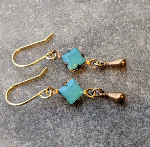 Vintage green glass brass drop earrings