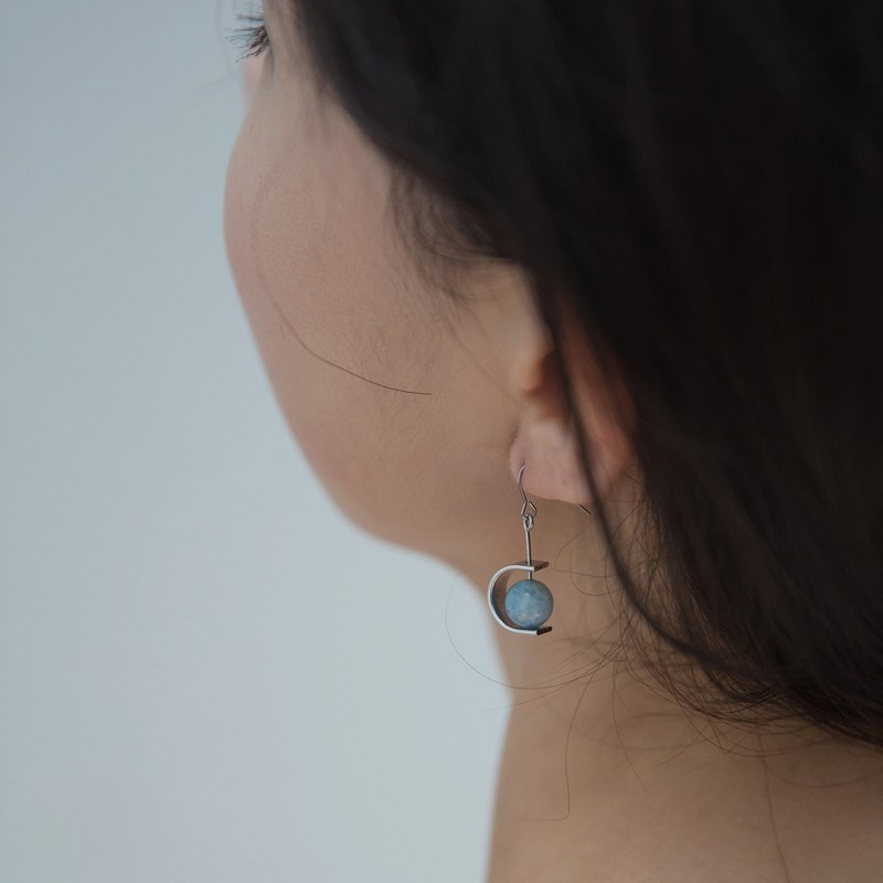 ZHU. Handmade earrings | Sunny (natural stone / sea sapphire / ear clip / Mother's Day gift)