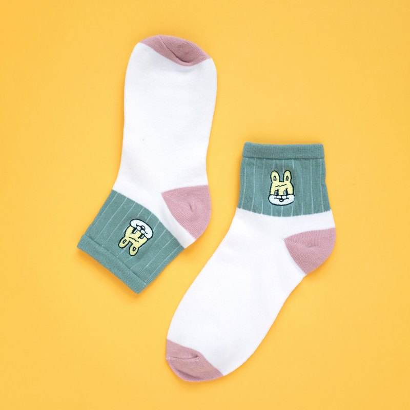 Rabbit embroidery cotton socks