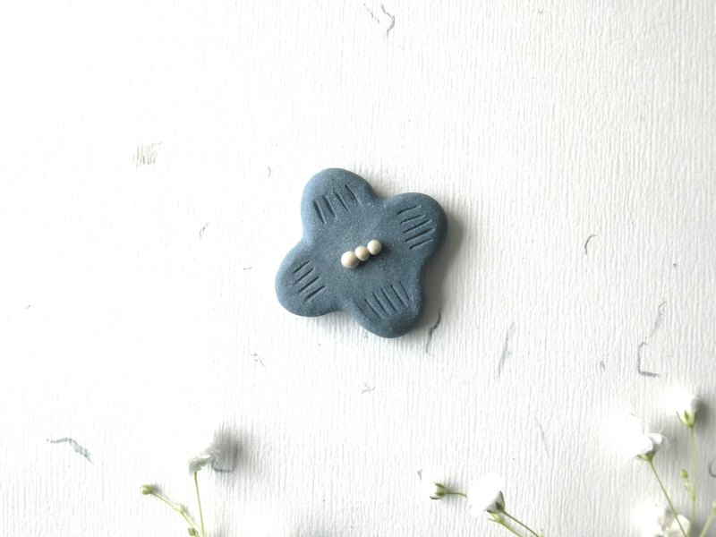 Ceramic brooch - Blue flower