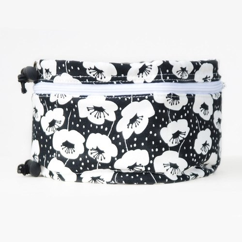 Summer essential pet summer heat cool towel M (classic personality black and white big flower)