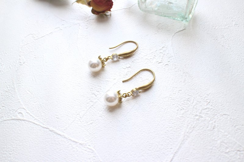Lulu-Brass earrings