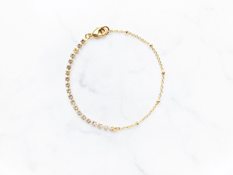 ::Classic Series :: Glow Mini Diamond Asymmetric Fine Bracelet