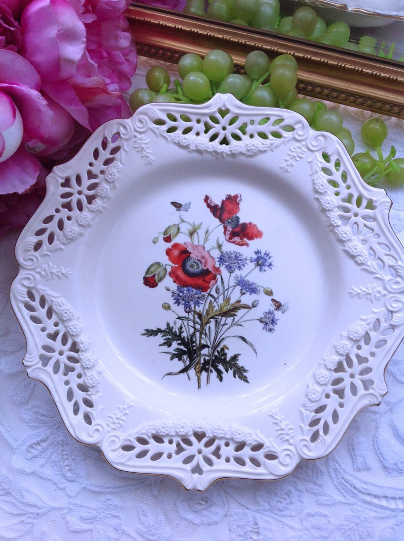 British porcelain Royal creamwar hand-painted pink flower plaque antique cake plate snack plate plate fruit plate