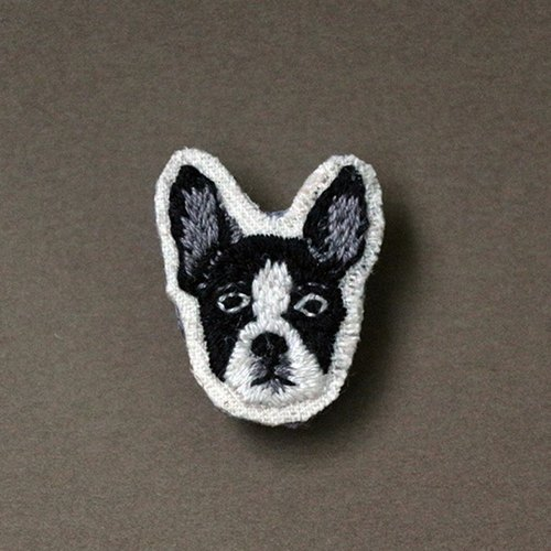 Mini hand embroidered brooch / pin Boston Terrier