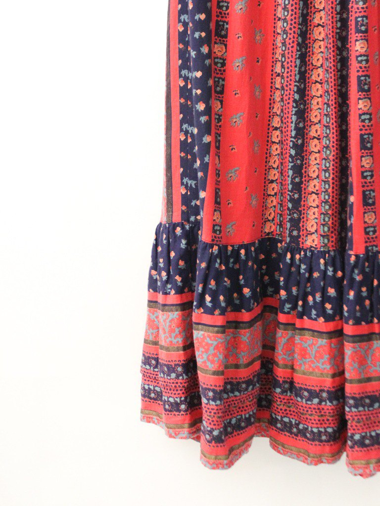 Vintage European Garden Floral Floral Totem Red Cotton Vintage Dress European Vintage Skirt