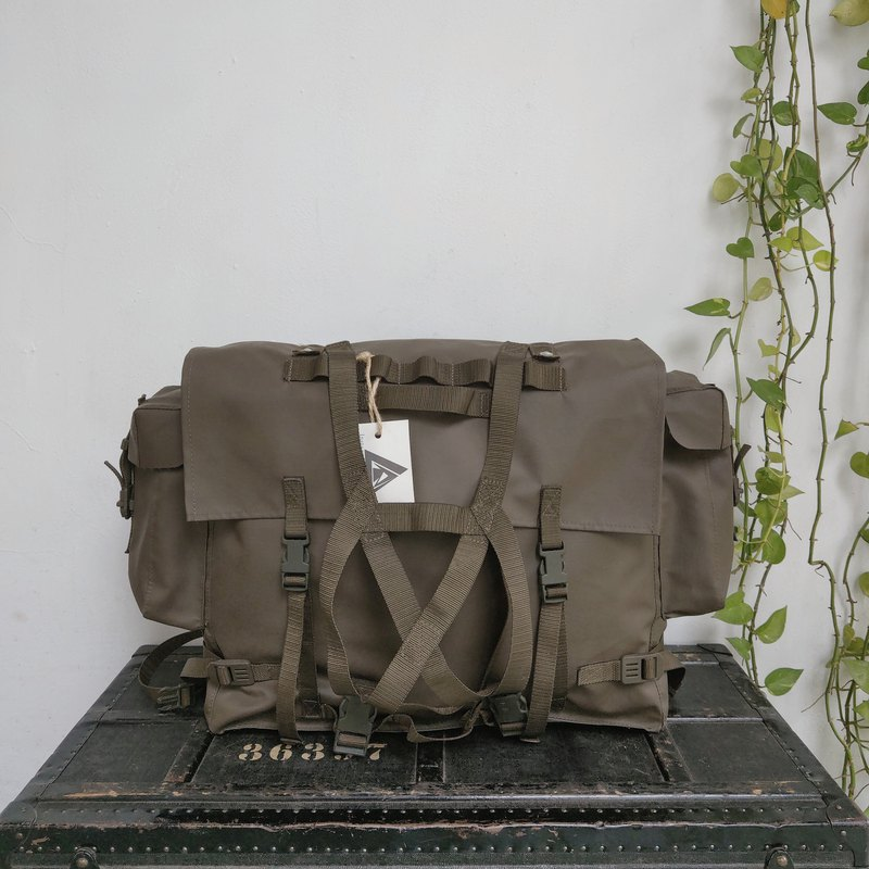 Switzerland_Military Backpack_R025